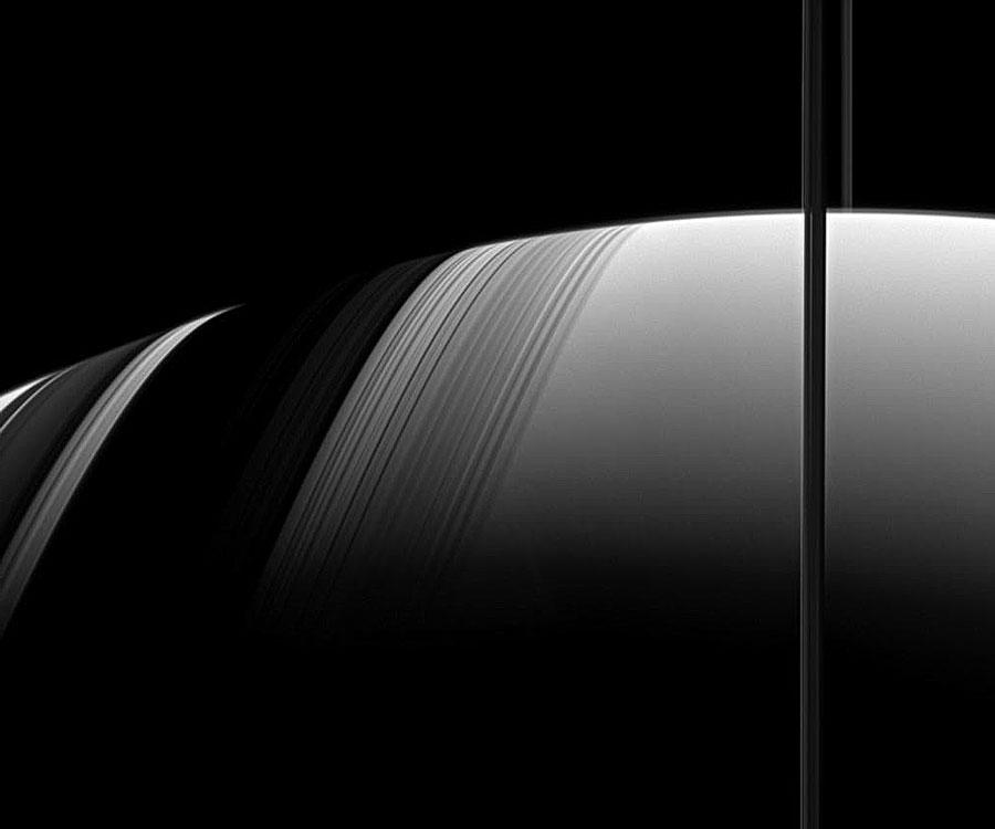 Saturne et ses anneaux, cadran solaire naturel