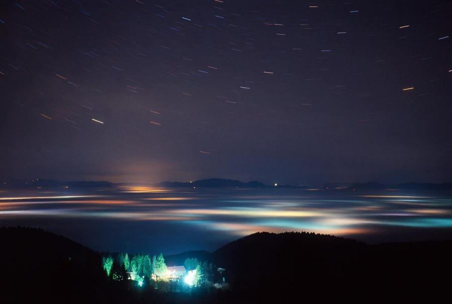 Sous les nuages comme au ciel