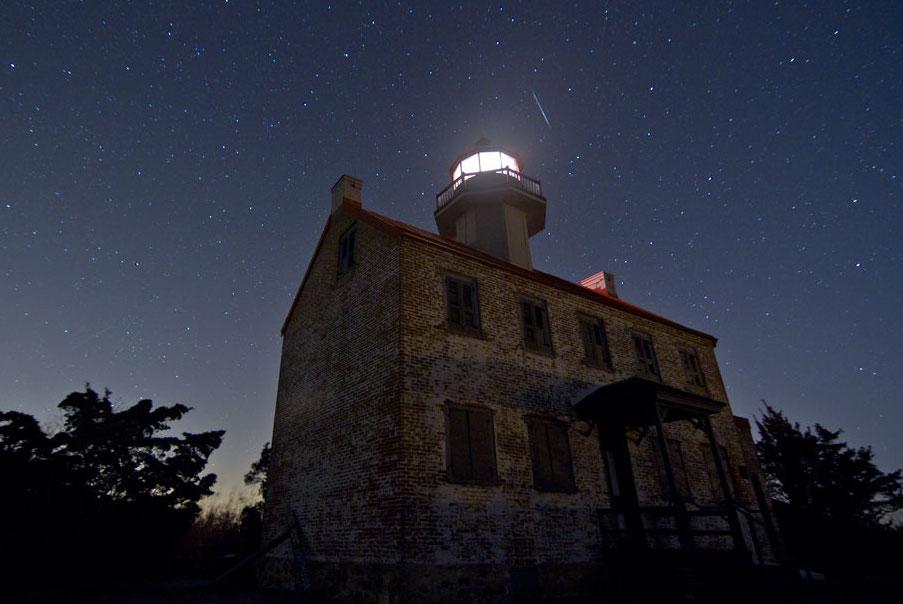 Le phare et l\'étoile filante