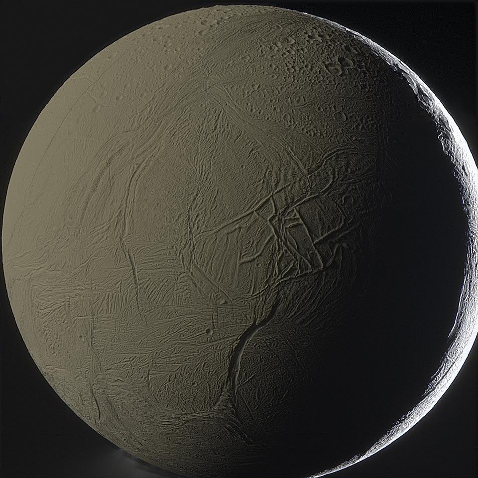 Lumière cendrée de Saturne sur Encelade