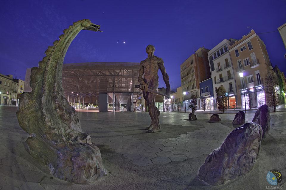 La Lune, Vénus et Jupiter dans le ciel catalan
