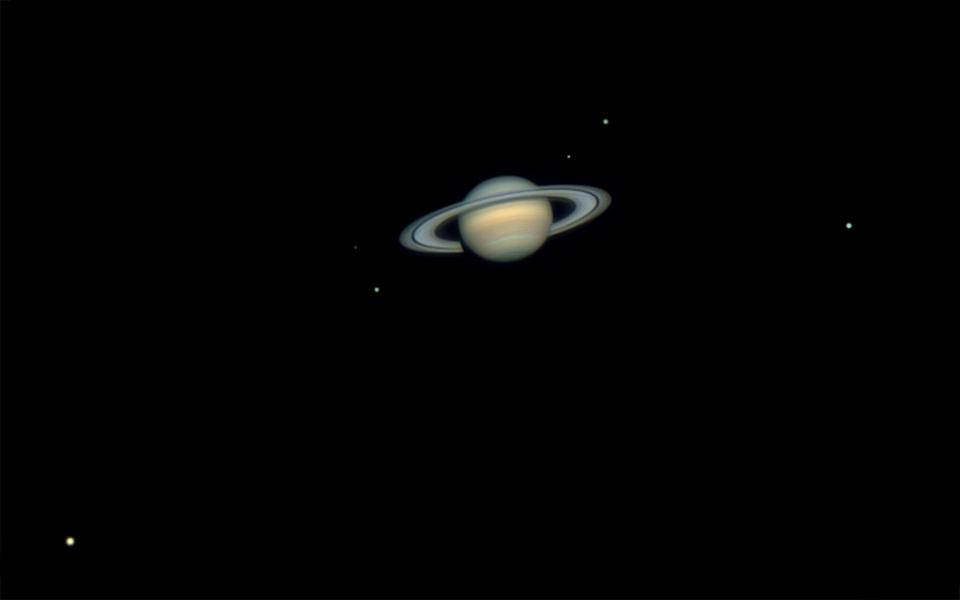 Six lunes de Saturne