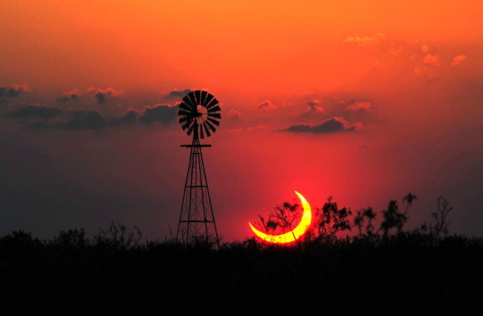 Eclipse partielle sur le Texas