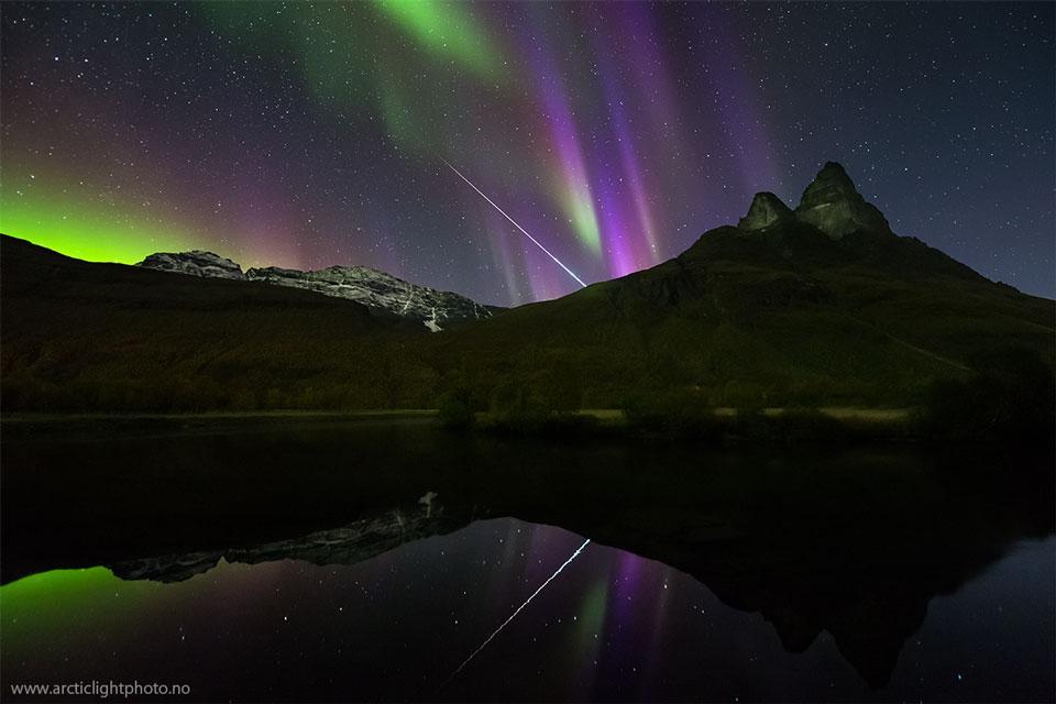 Bolide à l\'aurore en Norvège