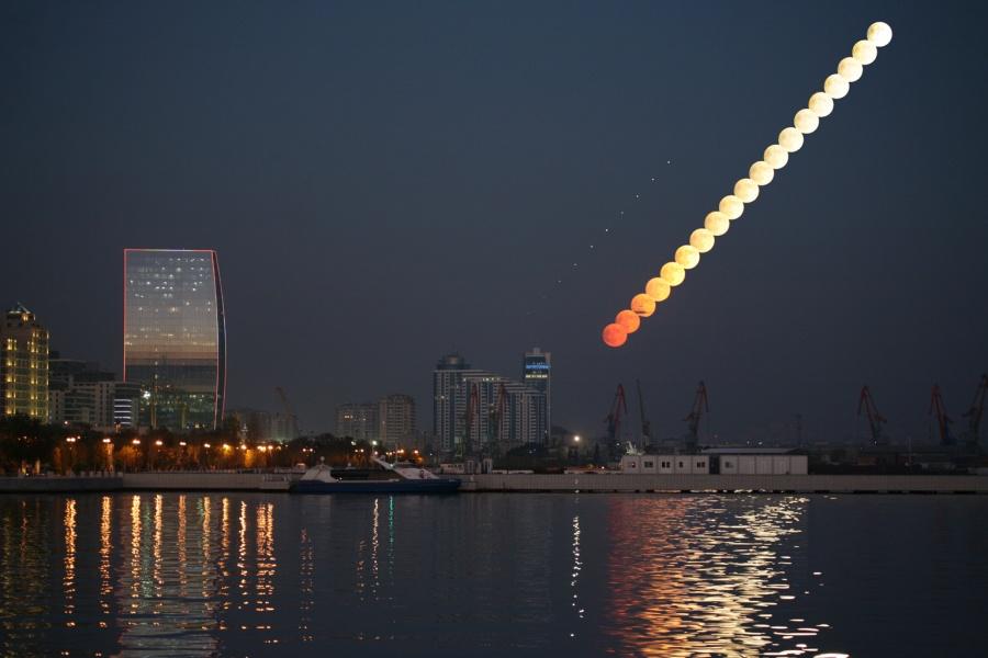 Lever de Lune sur Bakou