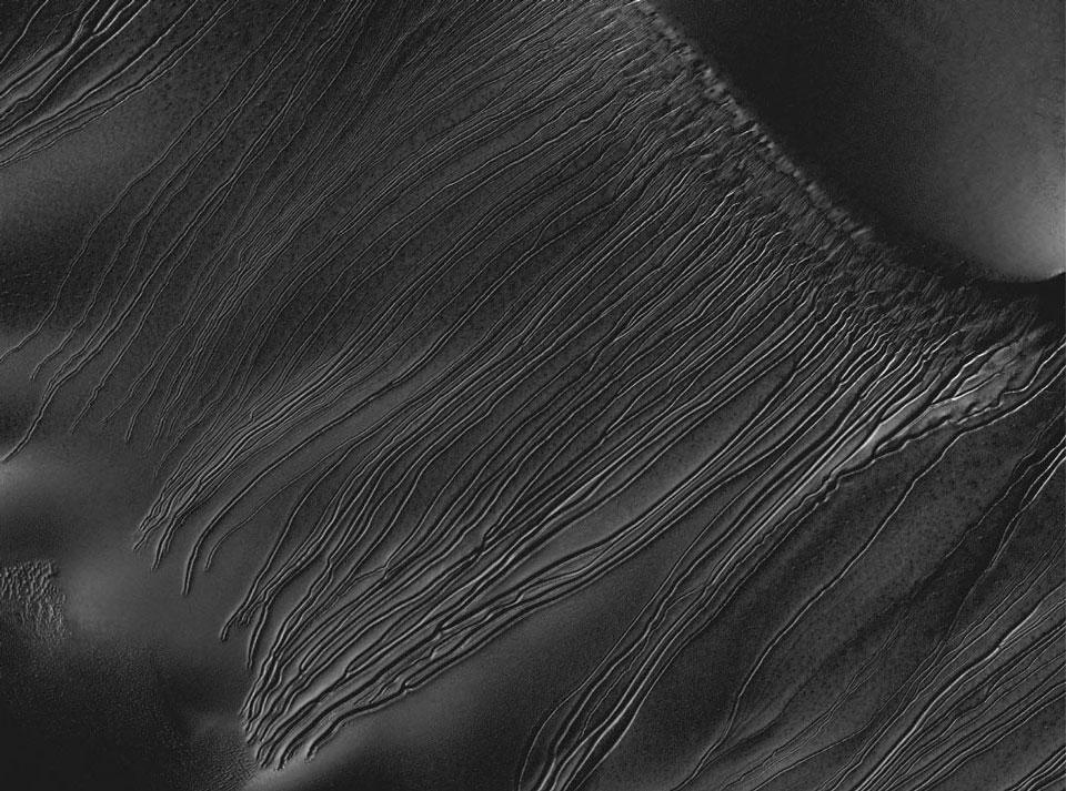 Luge de glace sèche sur Mars