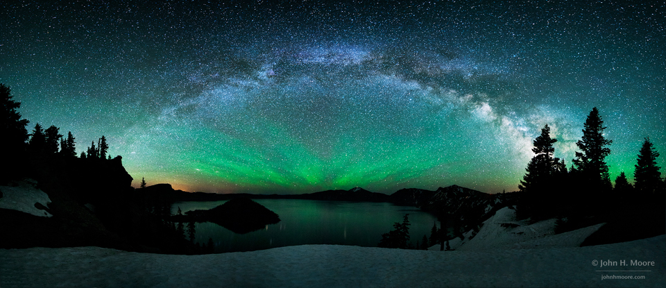 Lumières dans le ciel de Crater Lake