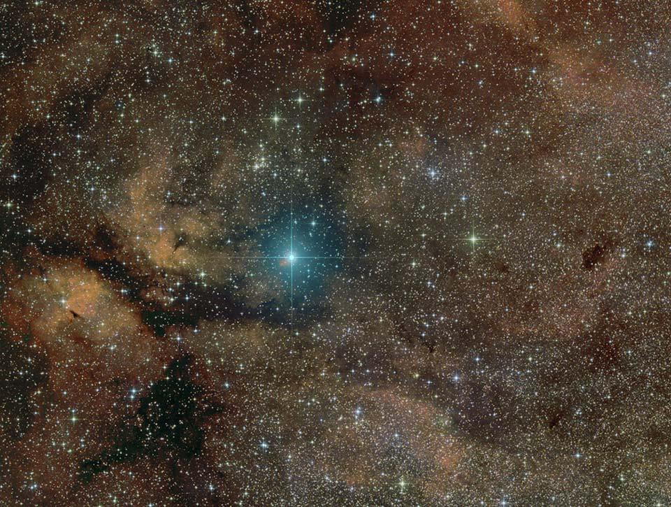 La supergéante Gamma Cygni