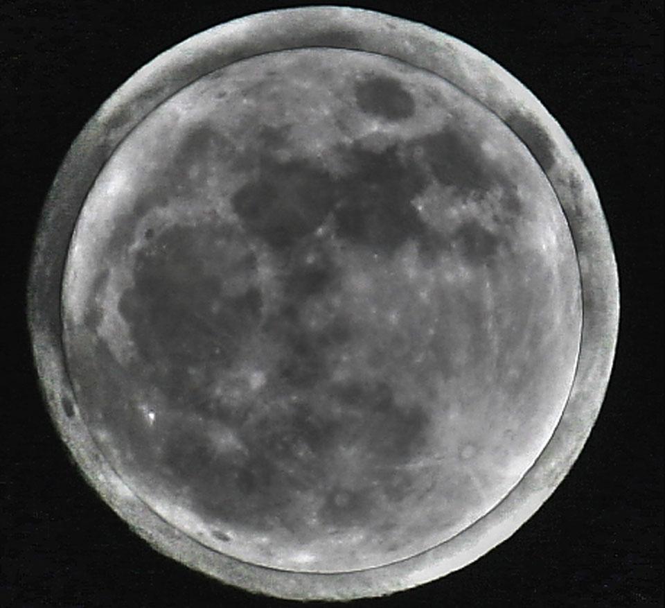 Mini Lune contre Super Lune