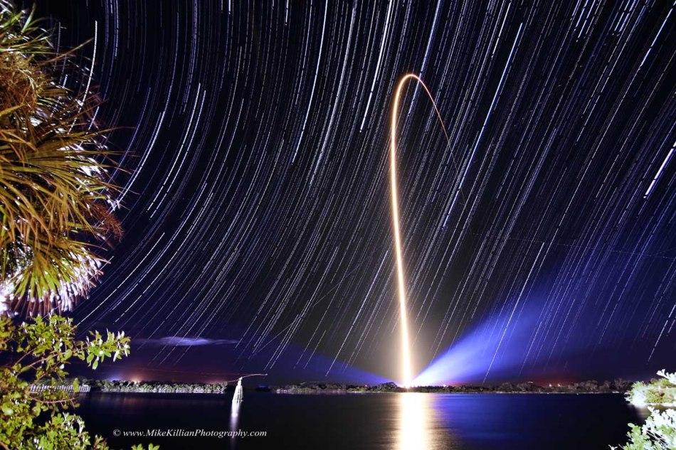 Traînées d\'étoiles et de fusées