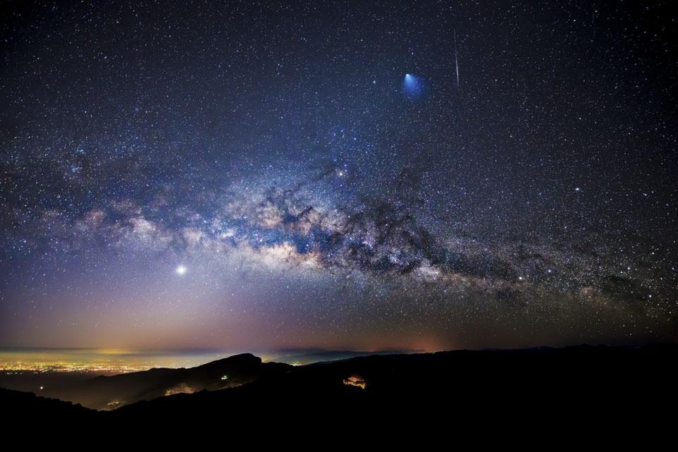 Une Ariane 5 dans le ciel de Thaïlande