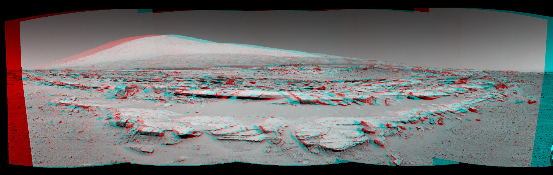 Aeolis Mons à l\'horizon