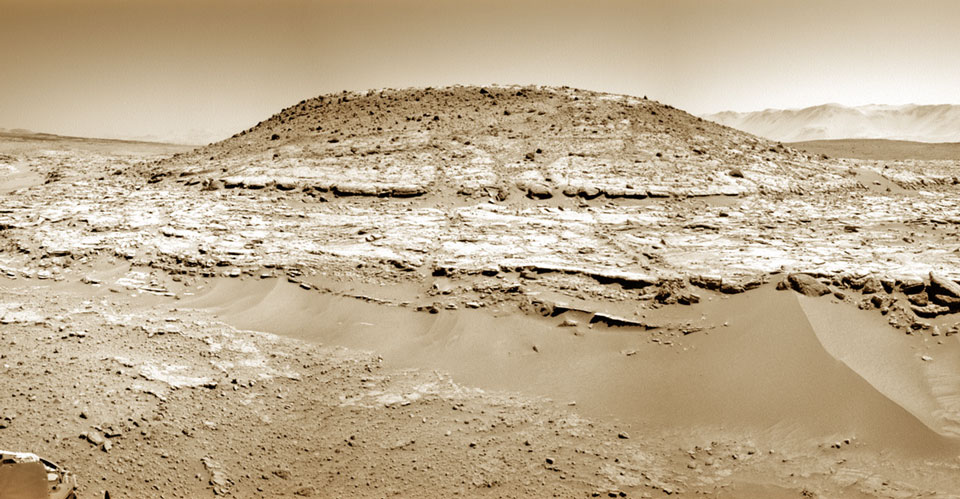 Curiosity inspecte le Mont Remarkable