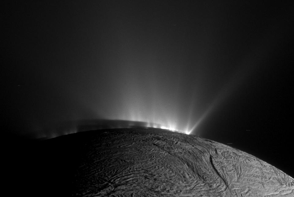 Les fontaines de glace d\'Encelade