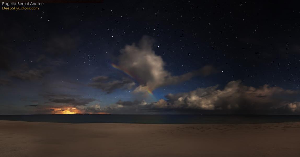 Arc de Lune sur la plage