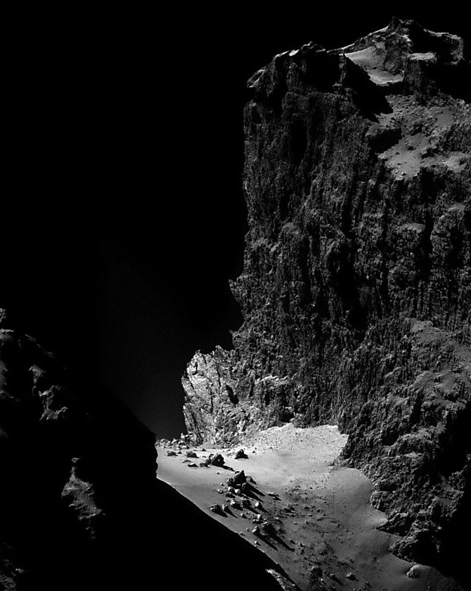 Les falaises de Churyumov Gerasimenko