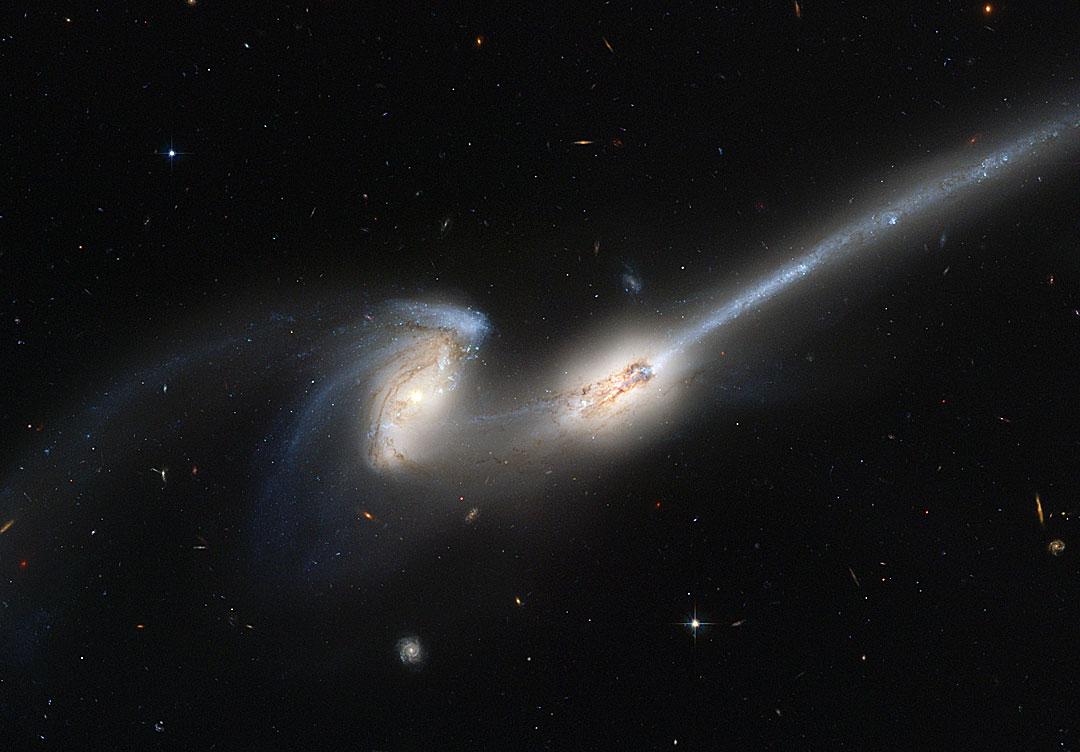 NGC 4676, les souris déglinguées