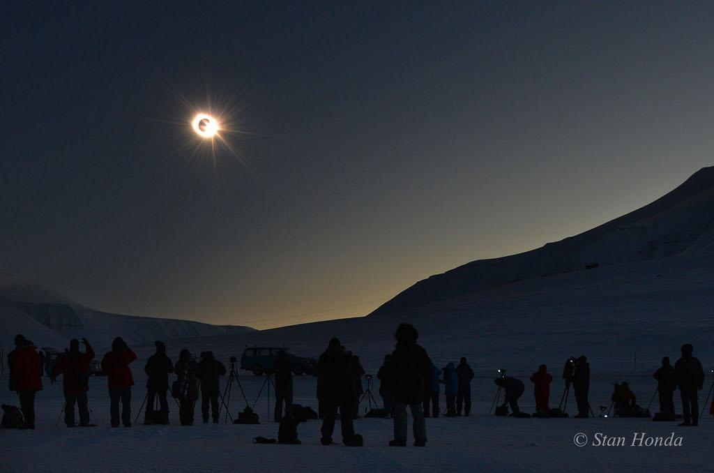 Eclipse boréale d\'équinoxe
