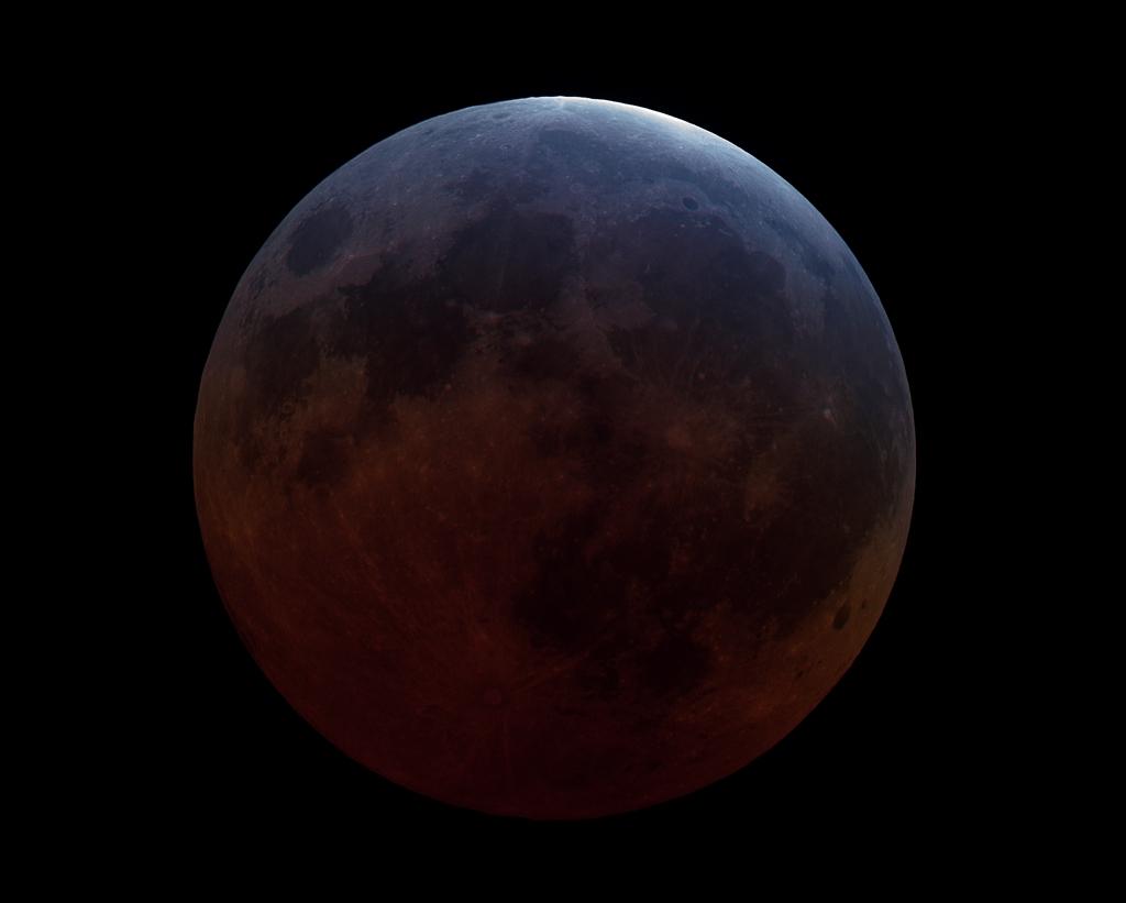 Pleine Lune dans l\'ombre de la Terre