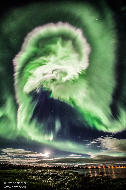 Aurore spirale sur l\'Islande
