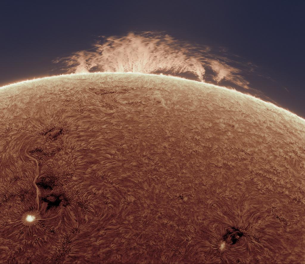 Protubérance en haie sur le Soleil
