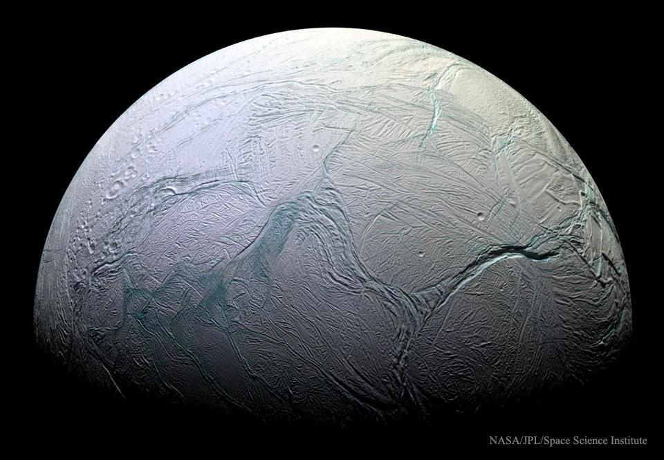 L\'océan souterrain d\'Encelade fait des vagues