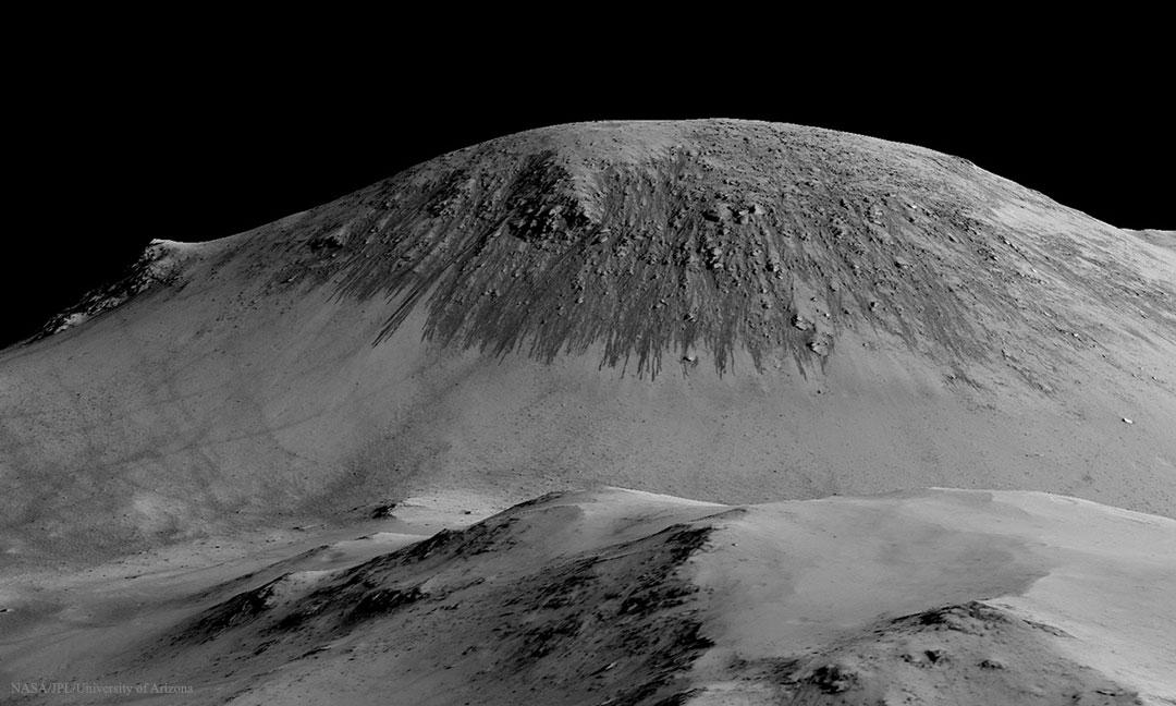 De l\'eau salée coulerait à la surface de Mars en été