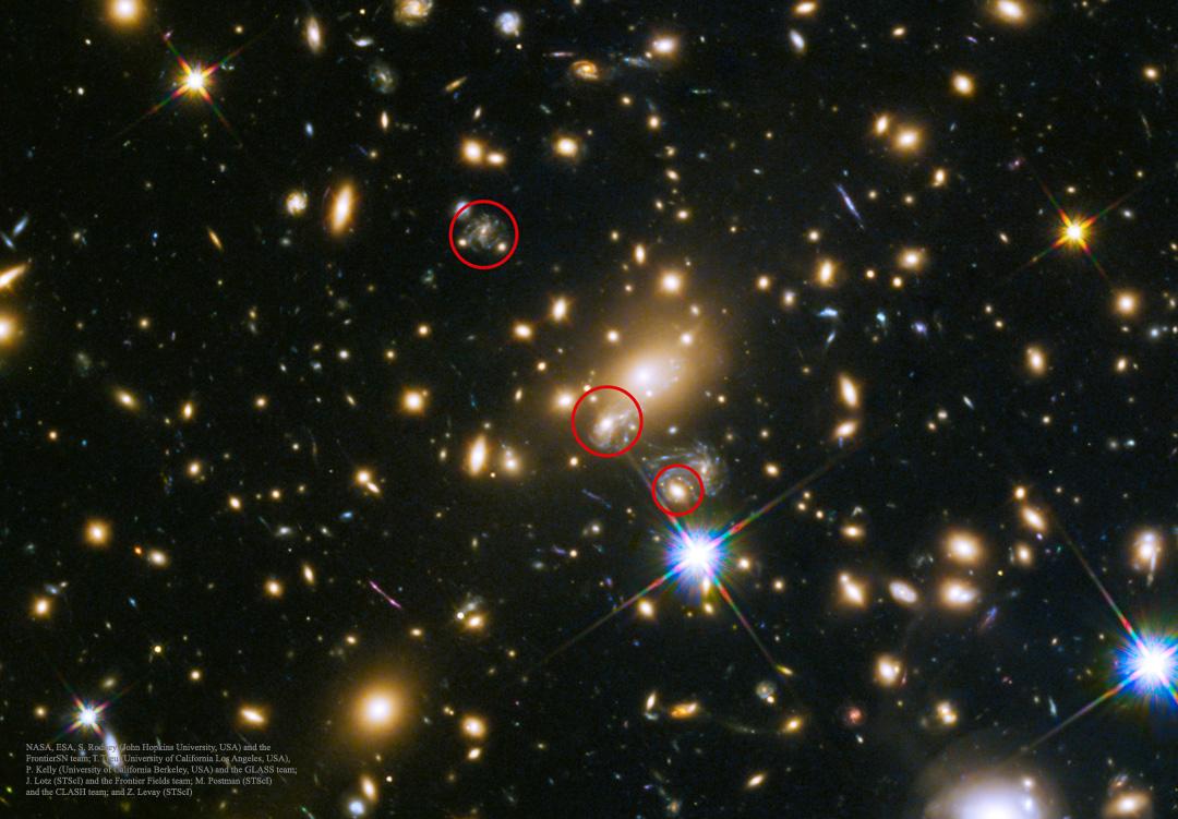 Première prévision d\'une série d\'images de supernova