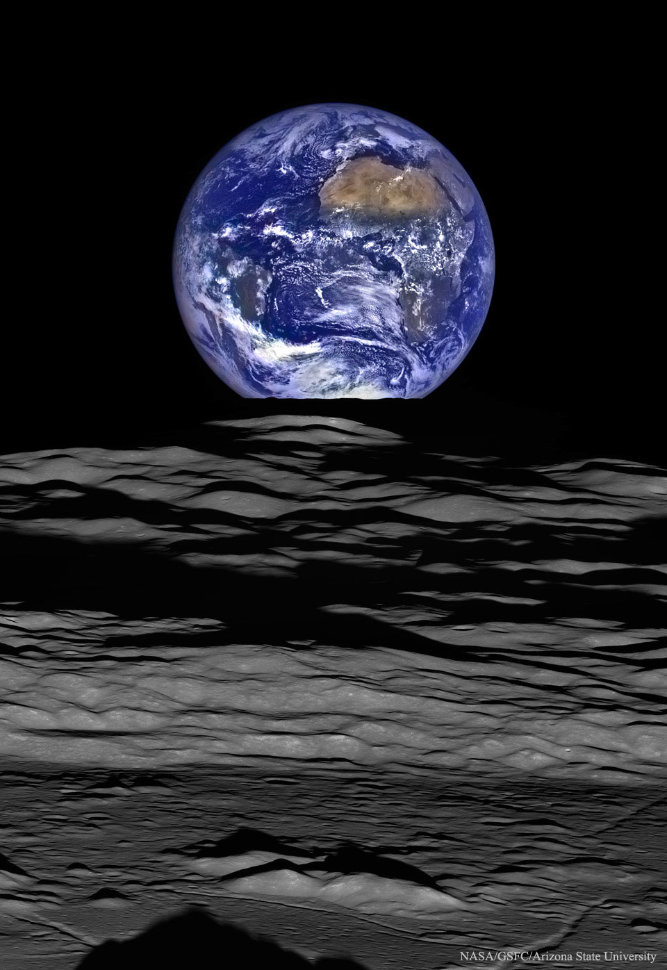 Coucher de Terre depuis l\'orbite lunaire