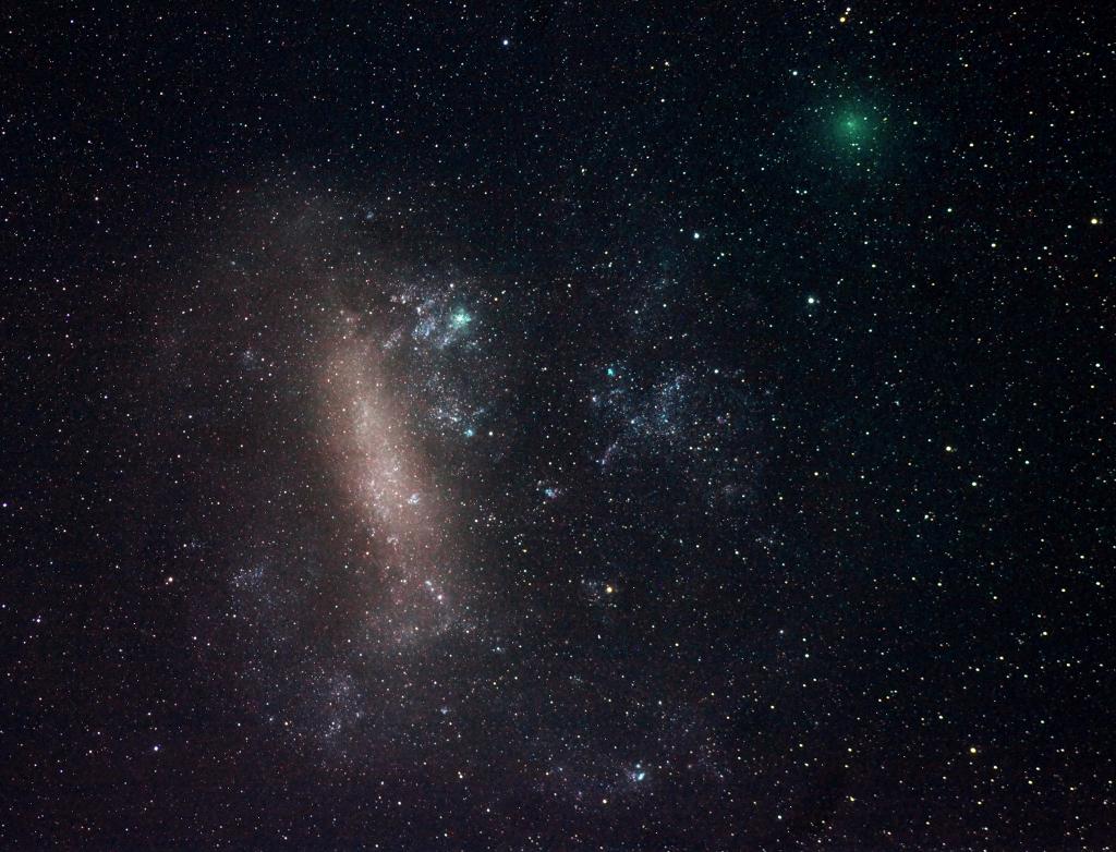 Deux comètes en approche