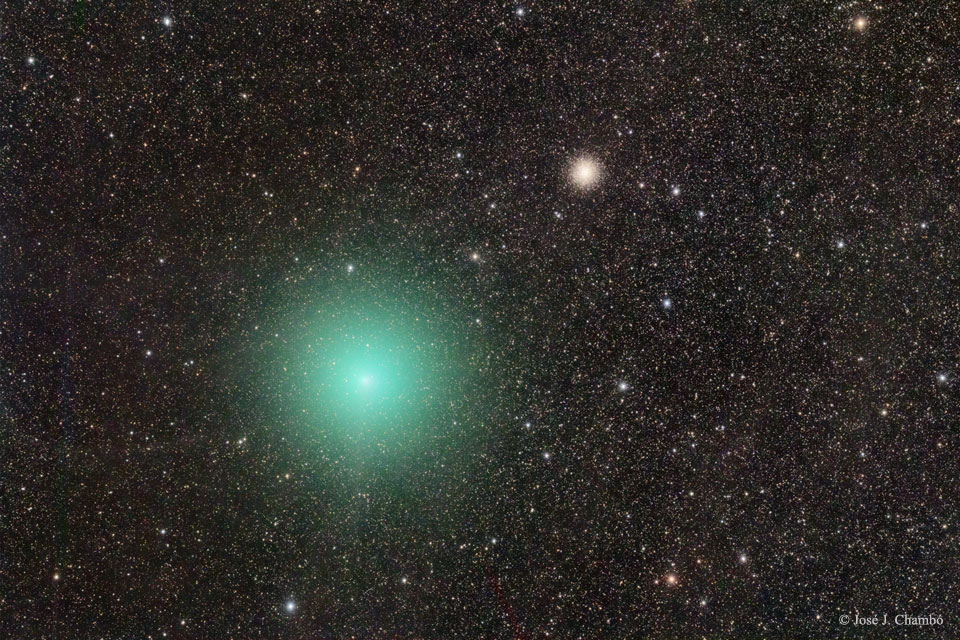 La comète et l\'amas d\'étoiles