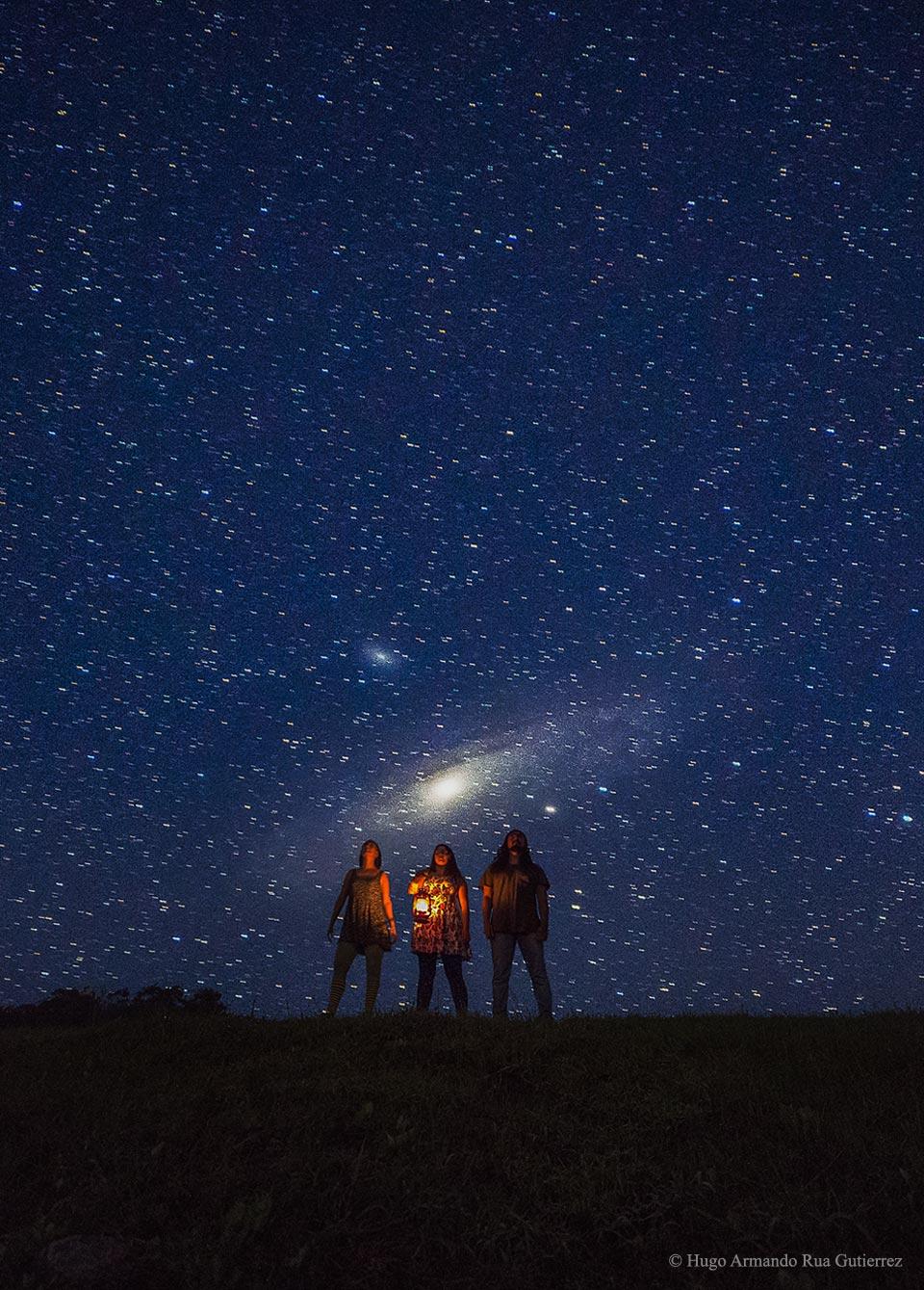 La galaxie d\'Andromède se lève sur la Colombie
