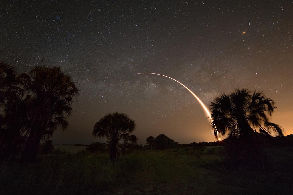 Falcon 9 et la Voie lactée