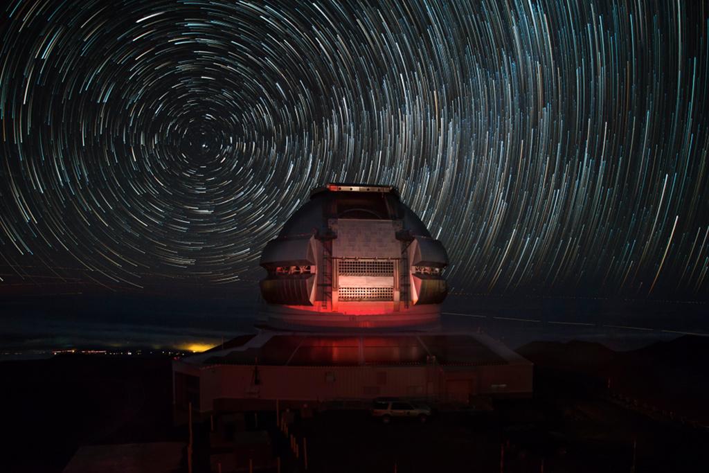 Gemini North sous les étoiles