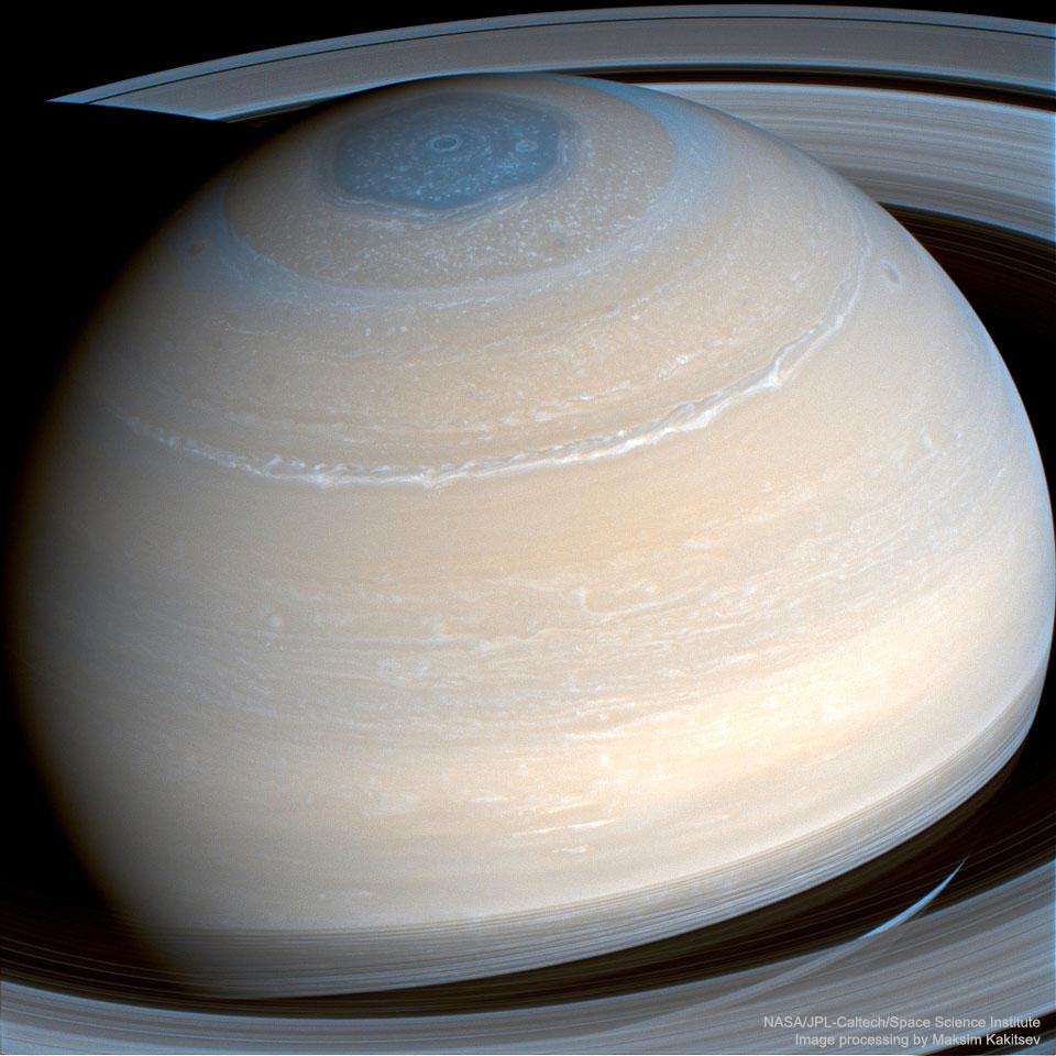 Saturne vue dans l\'infrarouge par Cassini