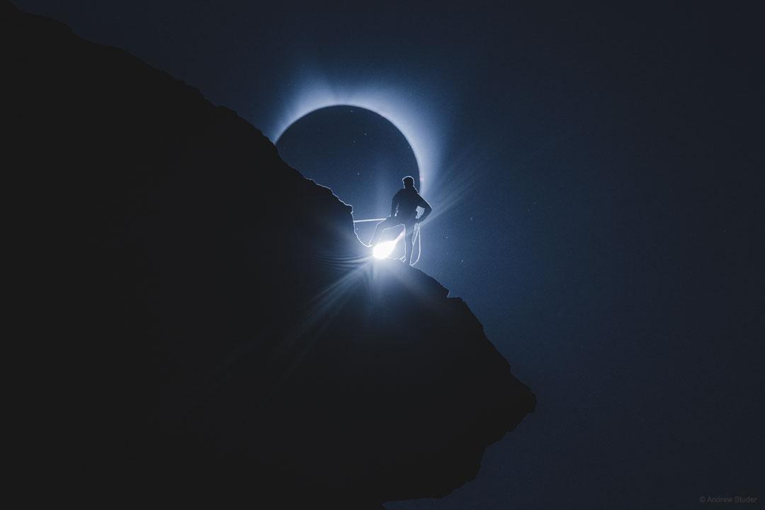 L\'alpiniste et l\'éclipse