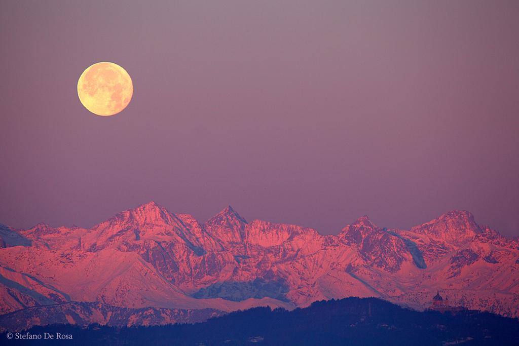 Coucher de Lune sur les Alpes et Superga