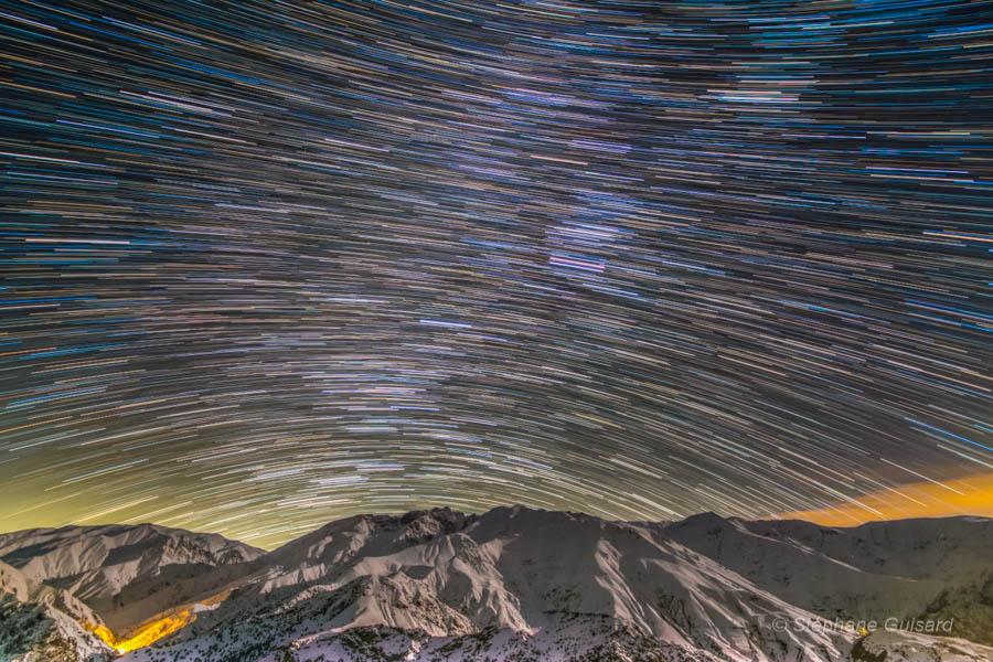 Traînées d\'étoiles au massif de l\'Alborz