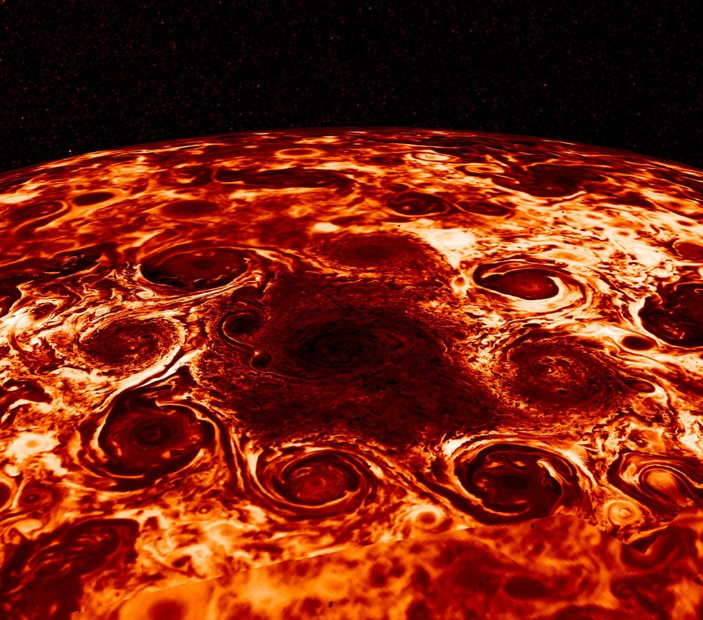Les cyclones du pôle nord de Jupiter