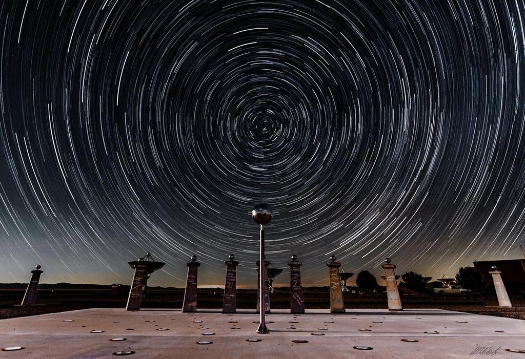 Traînées d\'étoiles et cadran radio-solaire de Bracewell