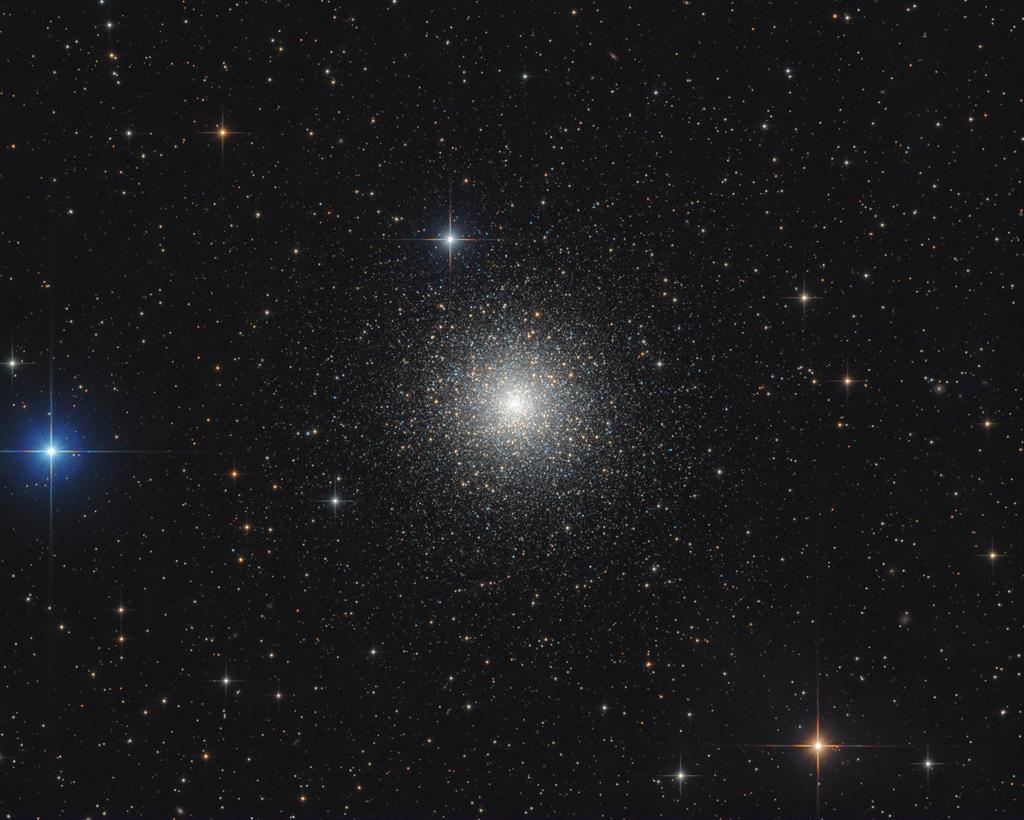 M15, amas d\'étoiles globulaire dense