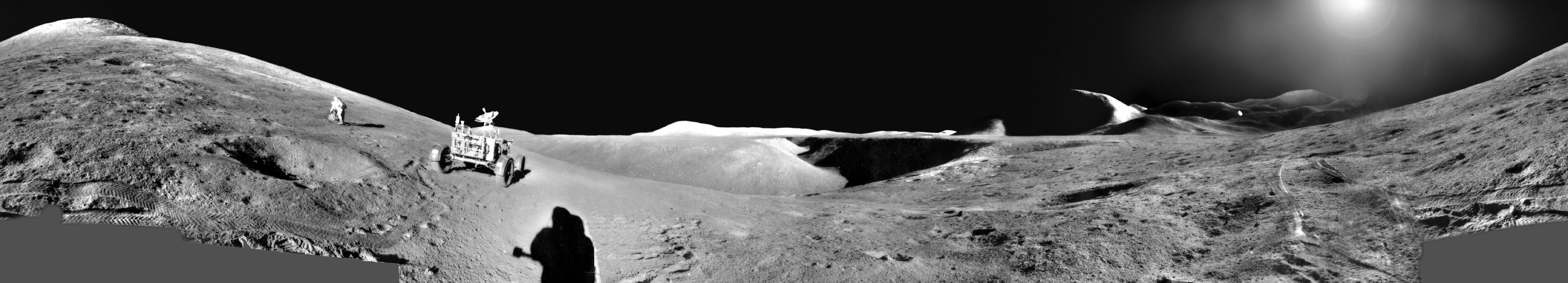 Des astronautes explorent la Lune : panorama d\'Apollo 15