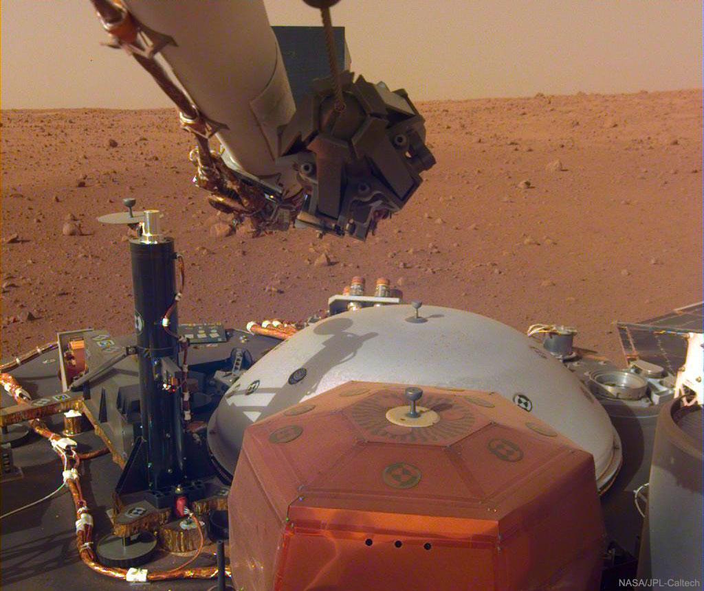 Son et lumière capturés par InSight sur Mars