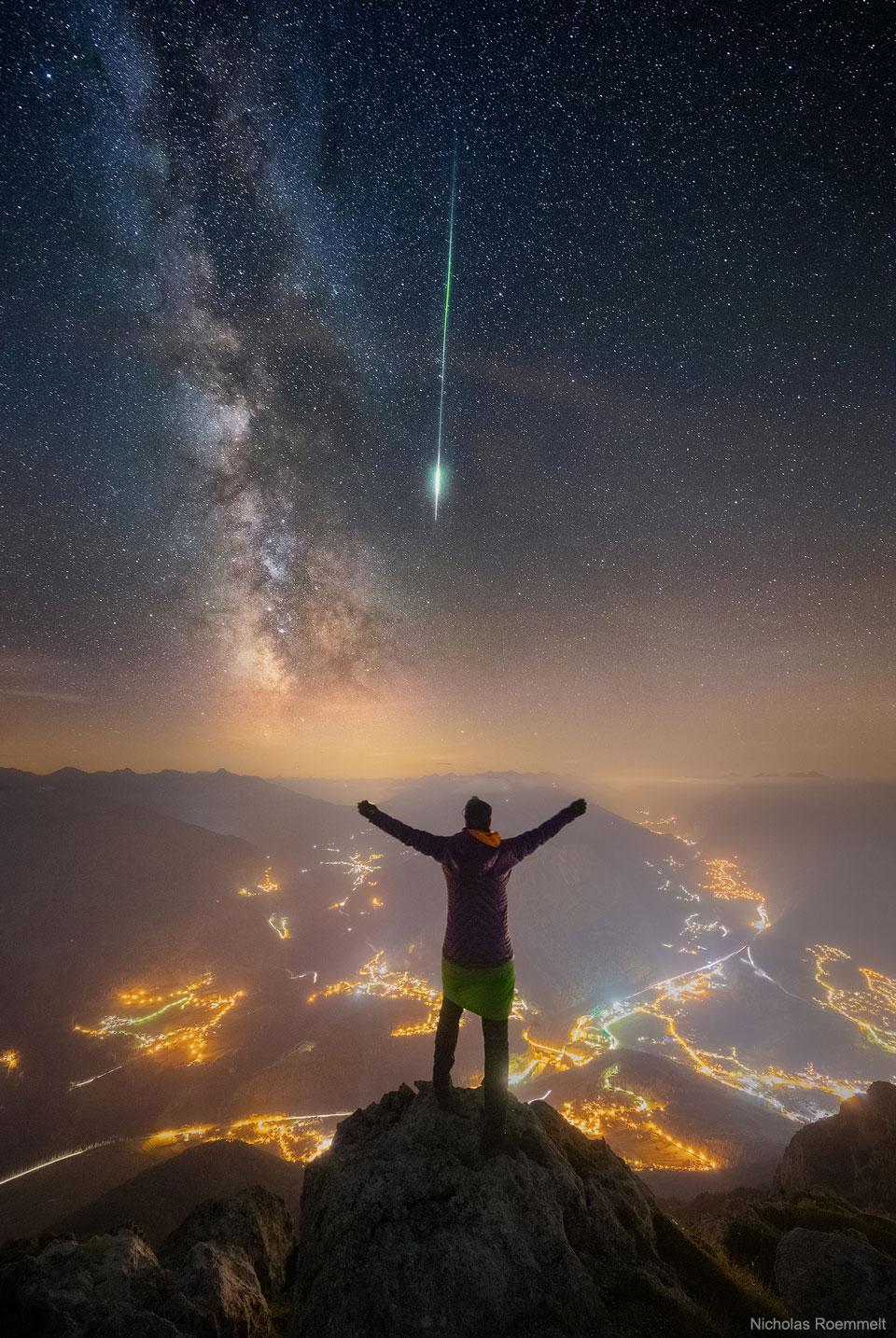 Météore et Voie Lactée sur les Alpes
