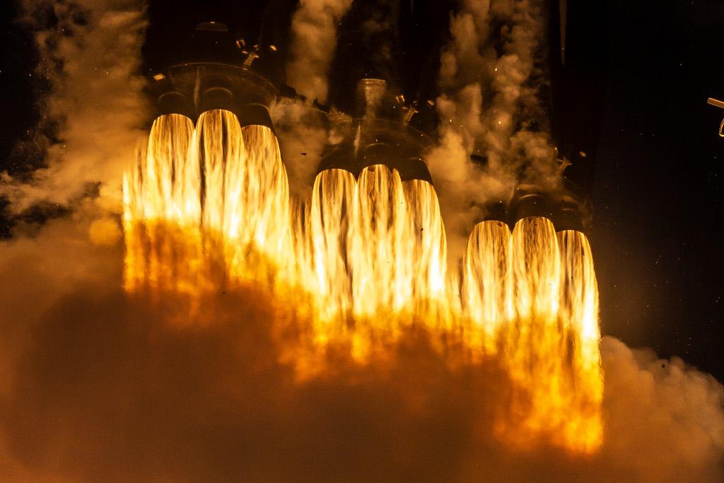 Gros plan sur le lancement de Falcon Heavy
