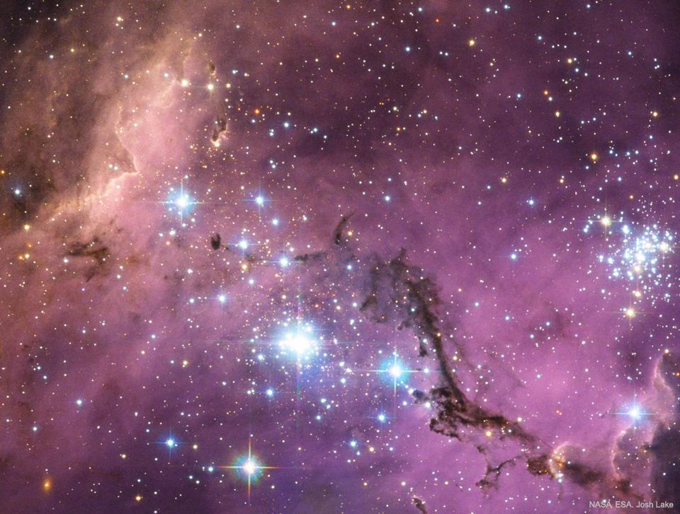 N11, nuages d\'étoiles dans le Grand Nuage de Magellan