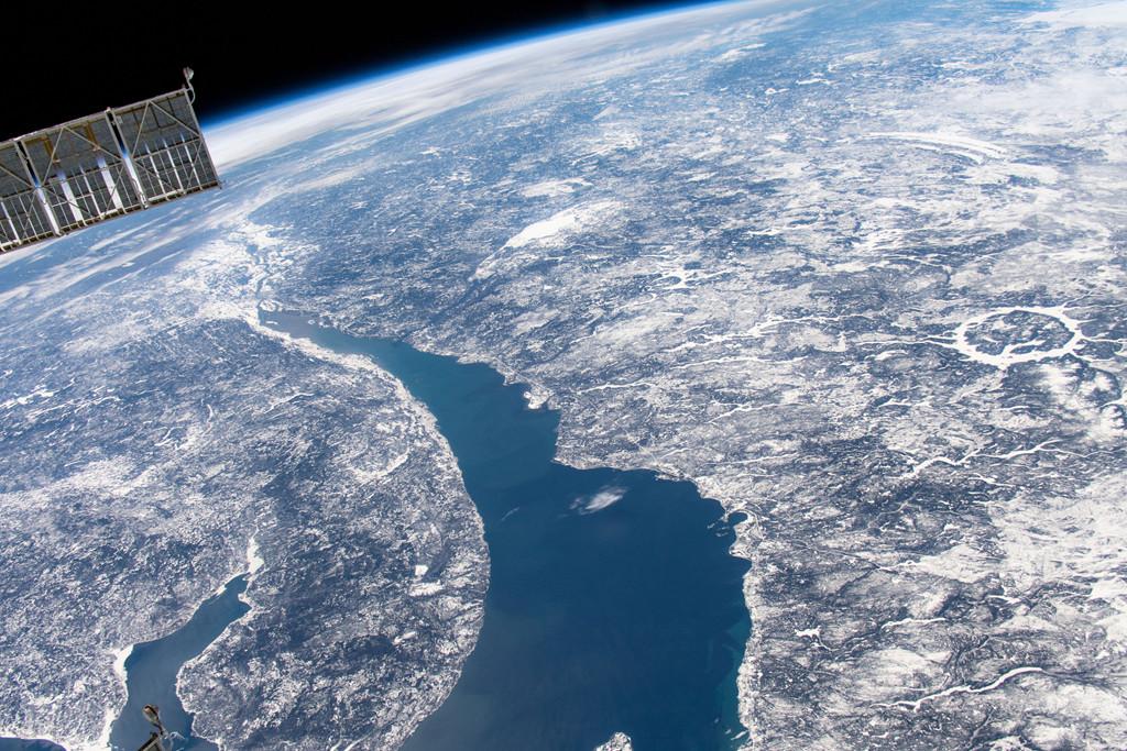 Le Saint Laurent et le cratère d\'impact Manicouagan vus depuis l\'espace