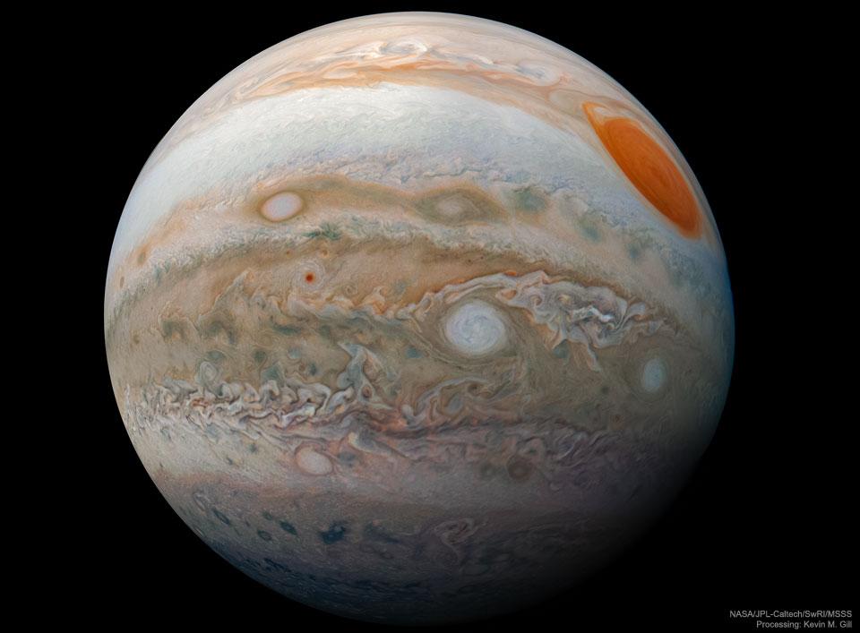 Jupiter est une bille, vue par Juno