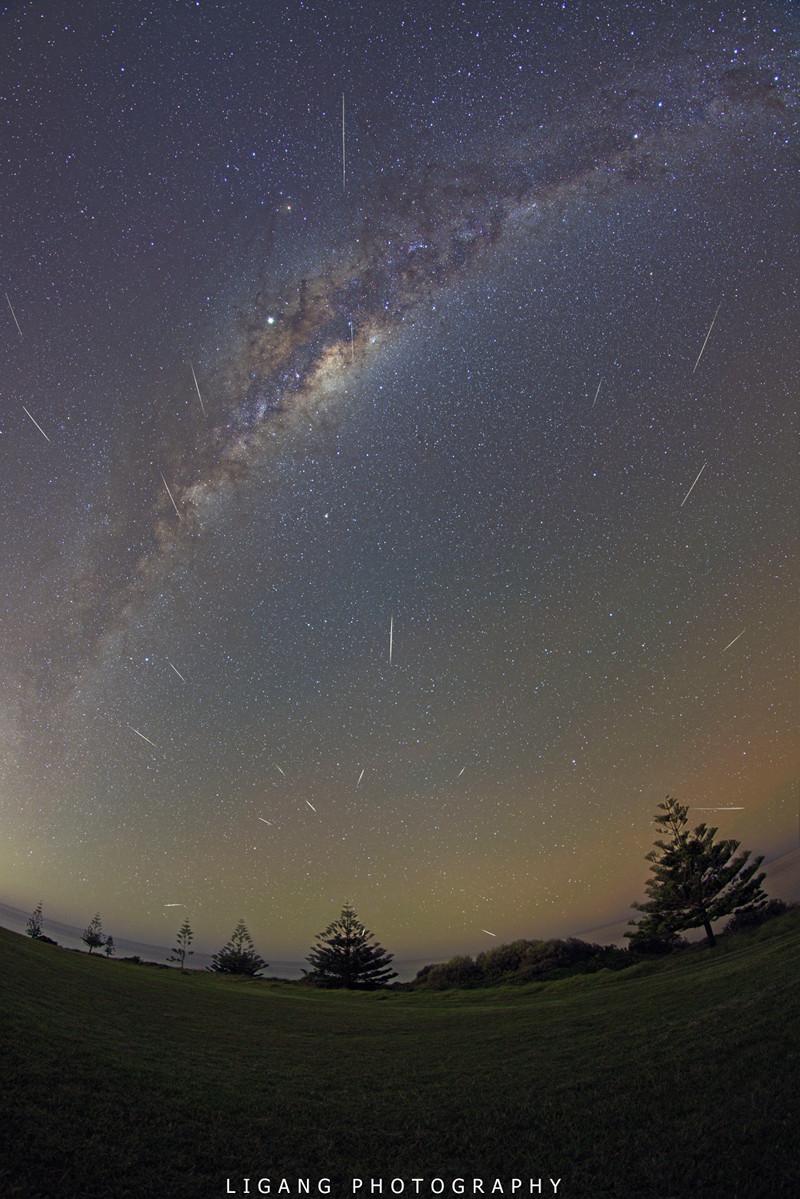 Poussière de Halley et Voie Lactée