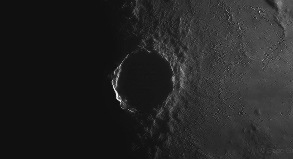 Lever de soleil sur le cratère Copernic